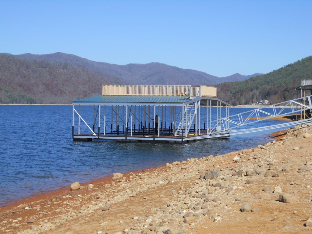 Lake Hartwell 2 story floating dock with sundeck
