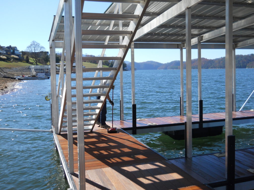 Aluminum floating dock stairs